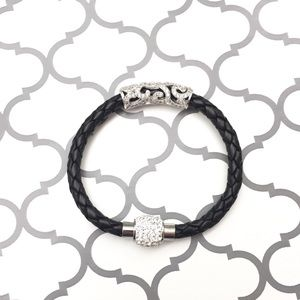 Jewelry - 🆕 ✨Black Braided Bracelet✨